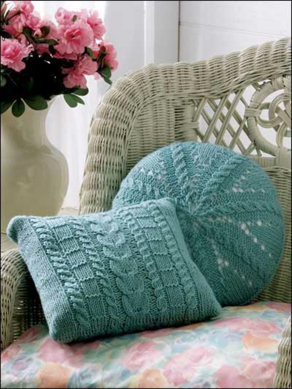coussin-tricoté-turqouise
