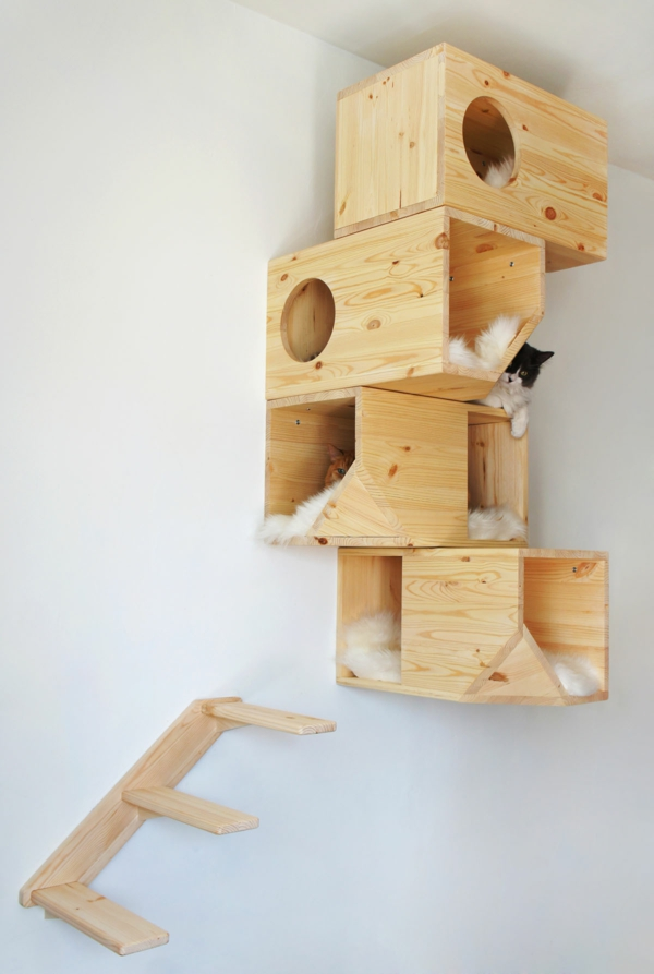 Pour le chat domestique elle a aussi besoin de logement - Maison pour chat en bois ...