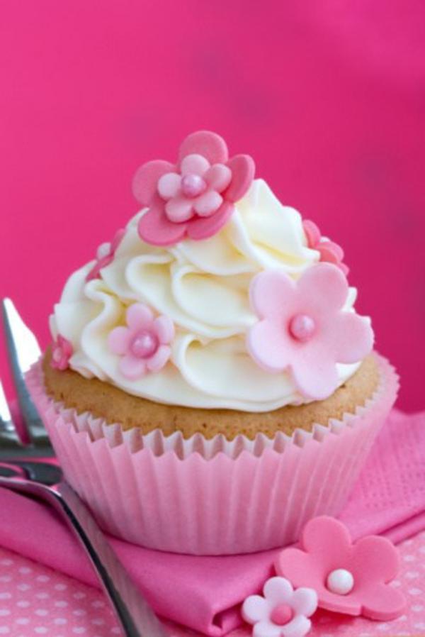 La d coration cupcakes un jeu de fantasie amusant - Decoration cupcake anniversaire ...