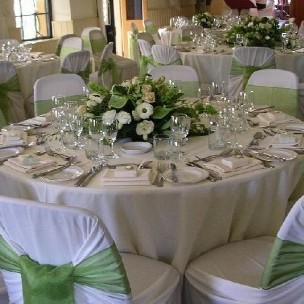 ... mariage tendance en violet et gris Décoration en vert anis et