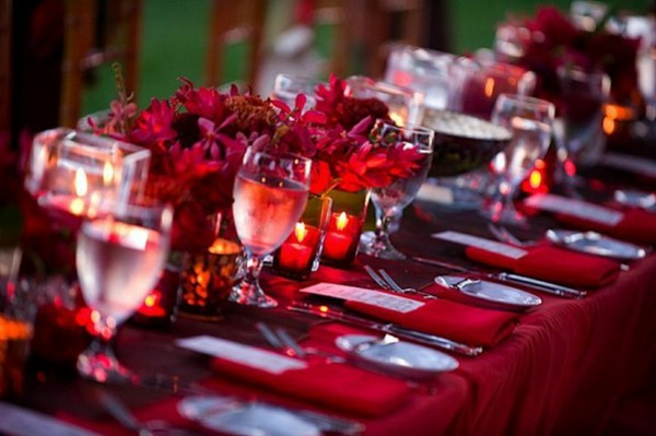 deco-table-mariage-rouge-resized