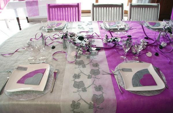 Decoration De Table Avec Nappe Grise