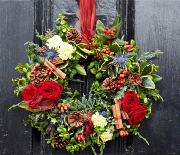 decoration-de-porte-couronne-de-noel-resized
