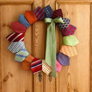 La décoration de porte pour les fêtes de Noël et Halloween - idées et pratique!