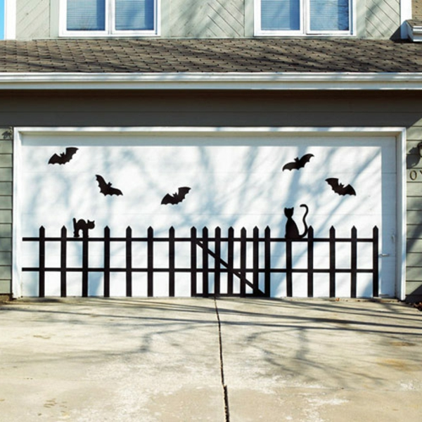 decoration-de-porte-halloween-garage-resized
