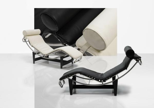 deux-chaise-longue-corbusier-blanc-et-noir