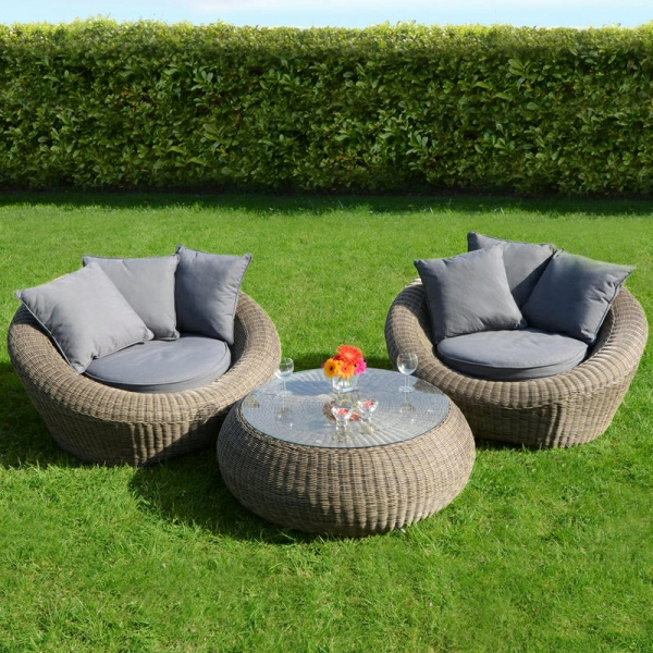 ensemble-salon-jardin-table-basse-fauteuils-rotin-resized