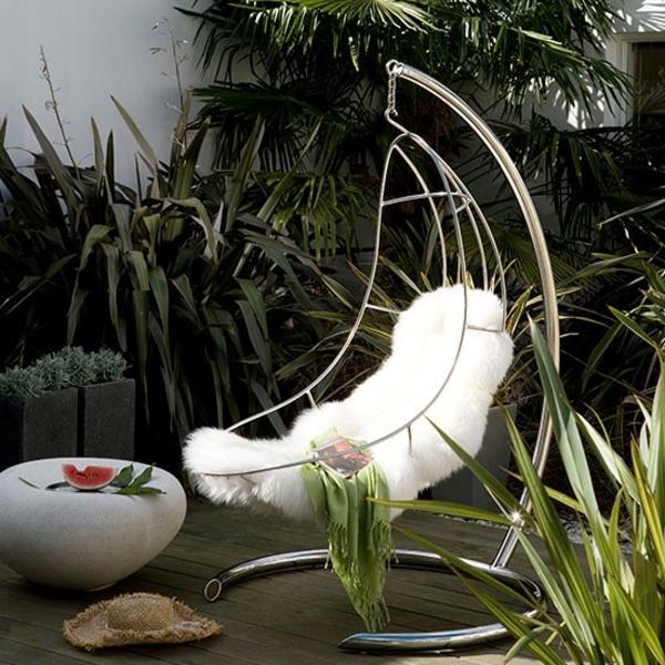 garden-decorations-modern-garden-swing-resized