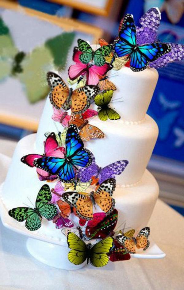 18 id es pour d corer le g teau d 39 anniversaire de fille - Decoration gateau papillon ...