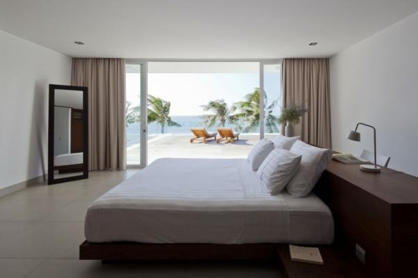 glass-door-bedroom-decorating-ideas-resized