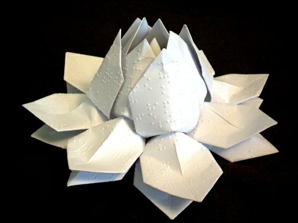 lampe-origami-lotus-blanc