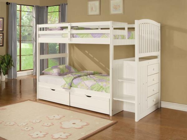 lit-d'enfant-avec-tiroirs-dortoir-avec-de-grandes-fenêtres-un-tapis-beige-à-fleurs