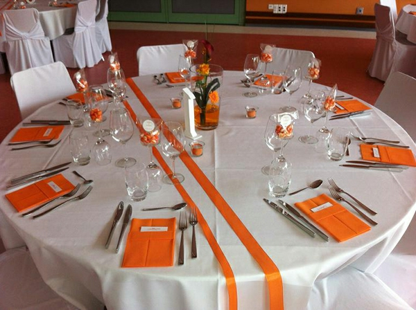mariage-orange-blanc-deco-table-resized