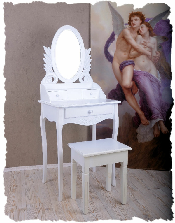 meuble-vintage-chaise-et-table-blanches-et-art-classique
