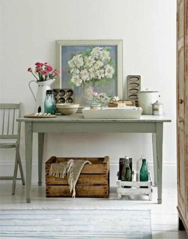 meuble-vintage-une-table-et-des-objets-de-la-vie-de-chaque jour