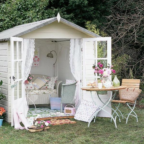 Les meubles vintages comme un accent romantique for Garden design ideas with summer house