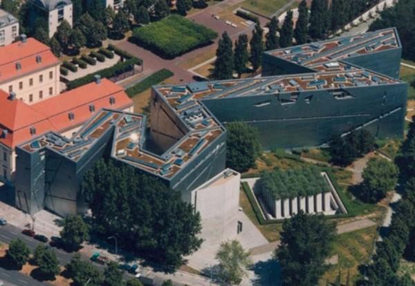 musee-juif-berlin-de-haut-resized
