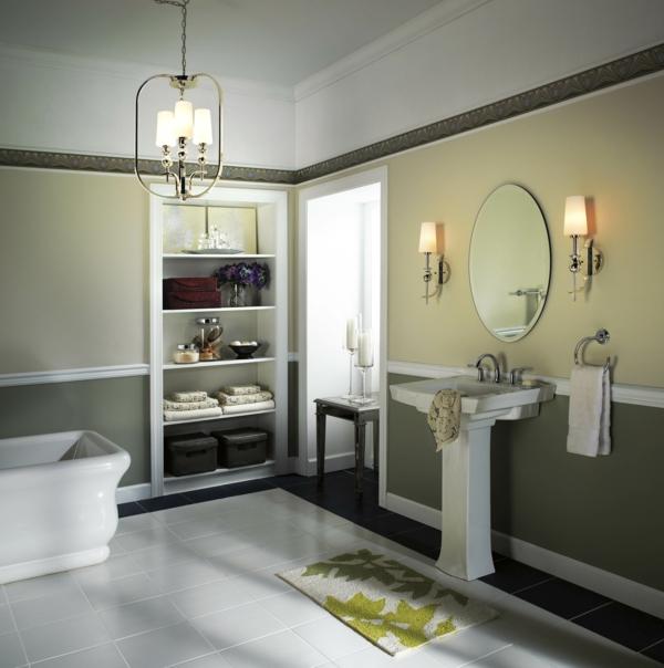 plafonnier-salle-de-bains-moderne-avec-des-lampes-différentes et étagère