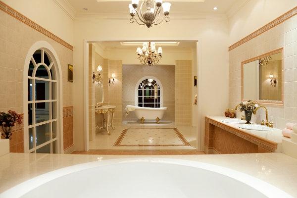 plafonnier-salle-de-bains-style-distingué un peu plantureux