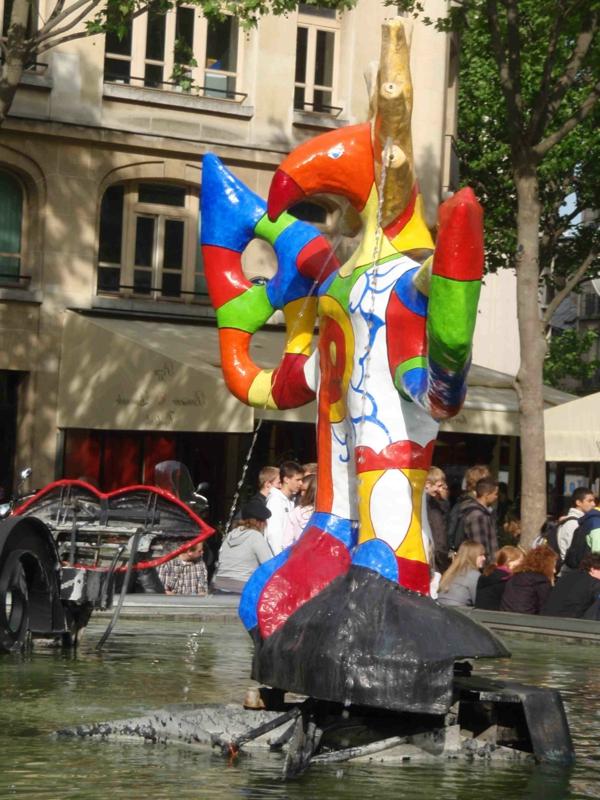 pompidou-fountain-les plus grands musées du monde