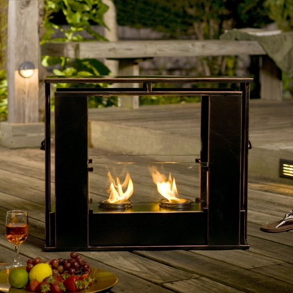 portable_indoor-outdoor_gel_fuel_fireplace2-resized