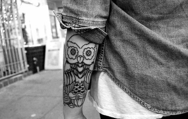 tatoo hibou tatouages tattoo pictures to pin on pinterest page 3. Black Bedroom Furniture Sets. Home Design Ideas
