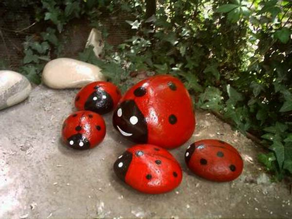 rock-painting-garden-decorations-resized