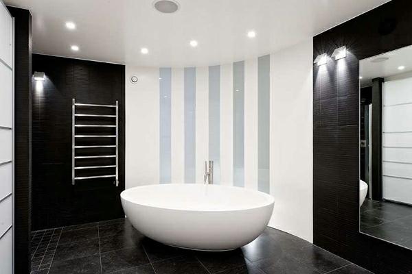 salle de bain baignoire baignoire minimaliste le salle de bain design en blanc et noir