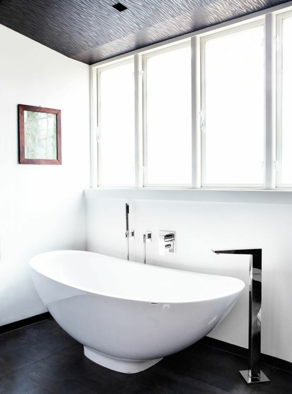 salle-de-bain-baignoire-blanc