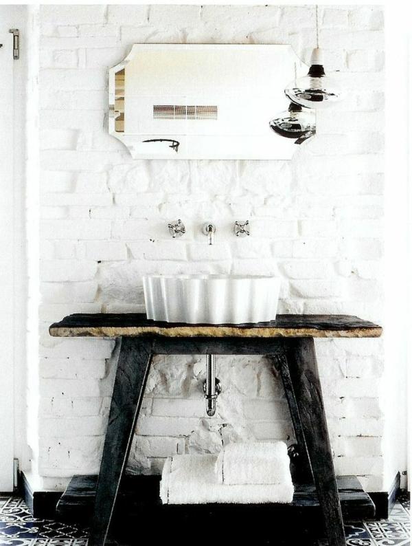 salle-de-bain-design-en-blanc-et-noire