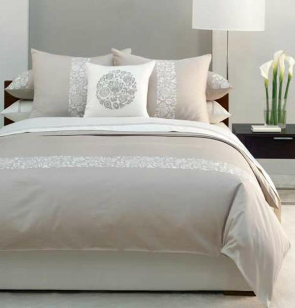 Le Linge De Lit Design La Subtile Impression De Luxe Indispensable - Parure de lit design chic