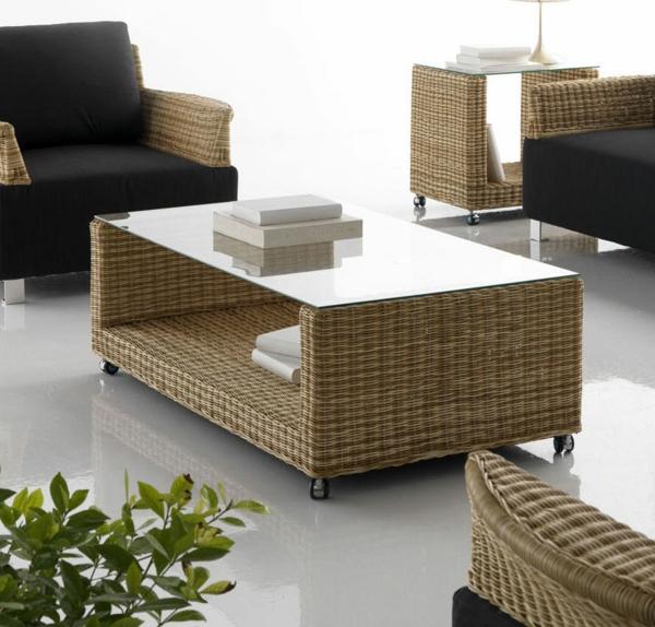 table-basse-design-en-rotin-naturel-bicolore-plateau-verre-montee-sur-roulettes-resized