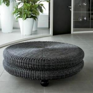 La table basse en rotin - une touche d'exotisme et échappatoire au quotidien