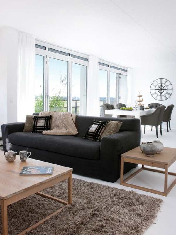 tapis-poil-long-brun-table-basse-resized