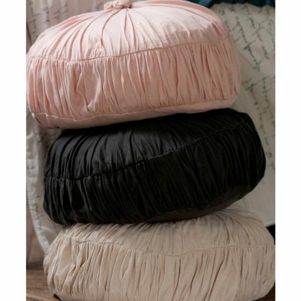 trois-cussin-ronds-noir-rose-beige