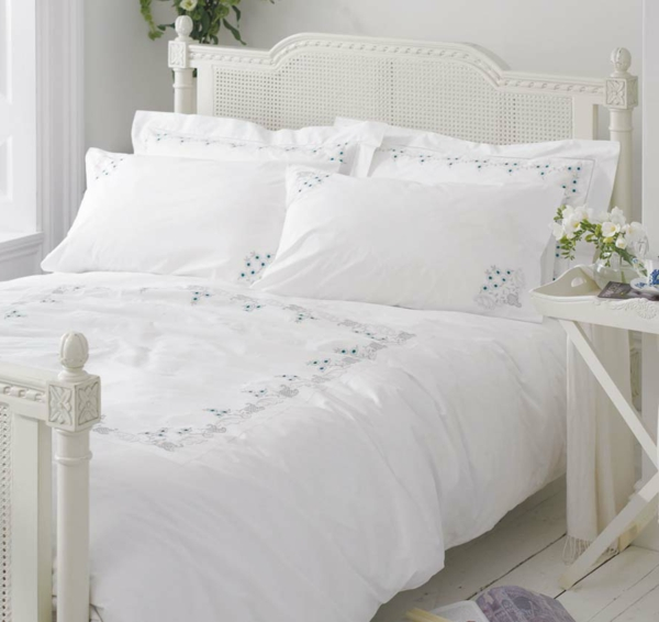 white-cotton-bedding-bed-linen-vintage-embroidered-floral-resized