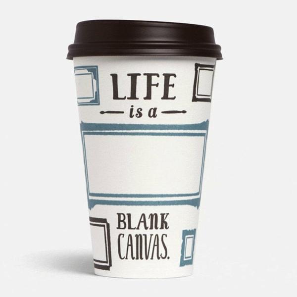 le-tasses-à-café-design-une-tasse-avec-écriteau