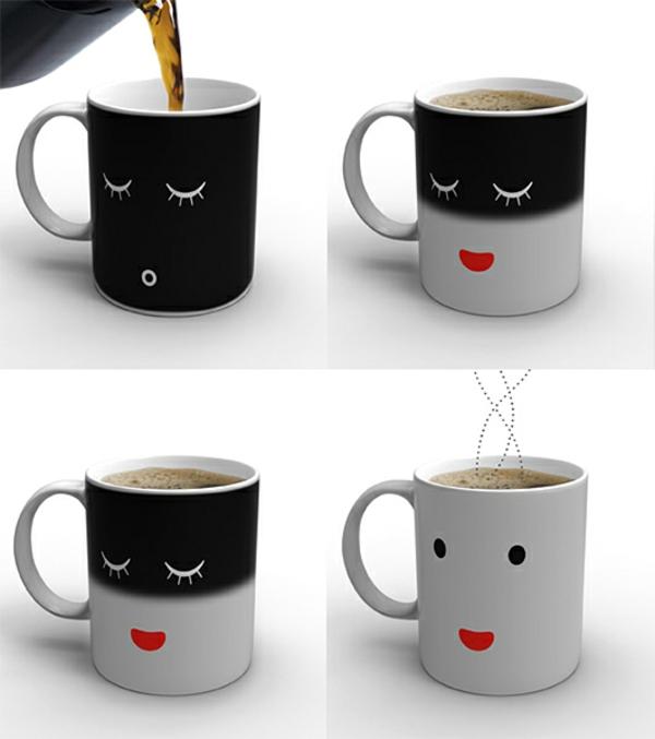 le-tasses-à-café-design-des-tasses-modernes-en-noir-et-blanc