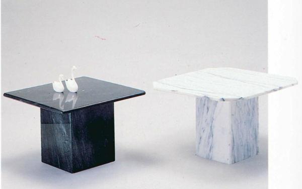 Le-marbre-et-le-design-contemporain-deux-petites-tables