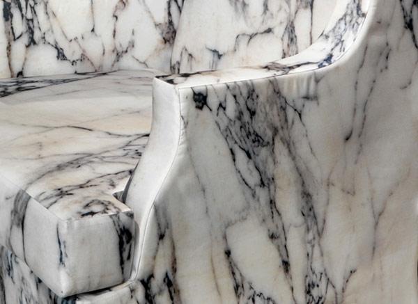 Le-marbre-et-le-design-contemporain-un-fragment-de-chaise-splendide
