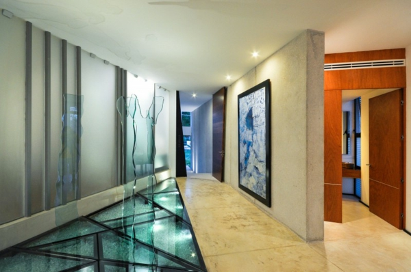 Le-marbre-et-le-design- contemporain-un-intérieur-moderne-avec-un-sol-en-marble