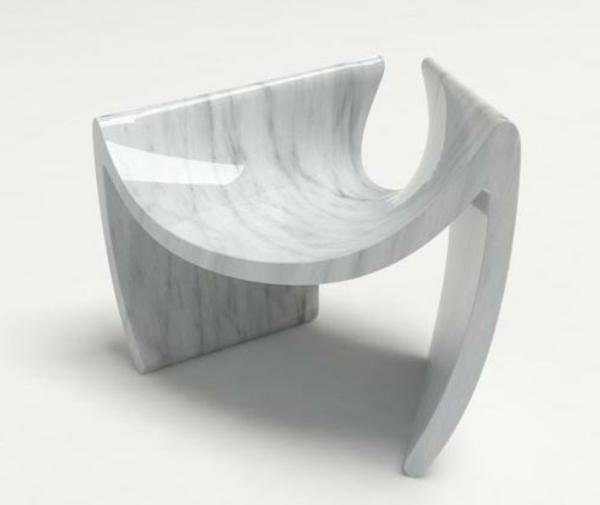 Le-marbre-et-le-design-contemporain-un-sofa-en-marbre