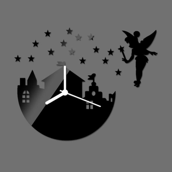 pendule-d' enfant-magique-avec-une-fée