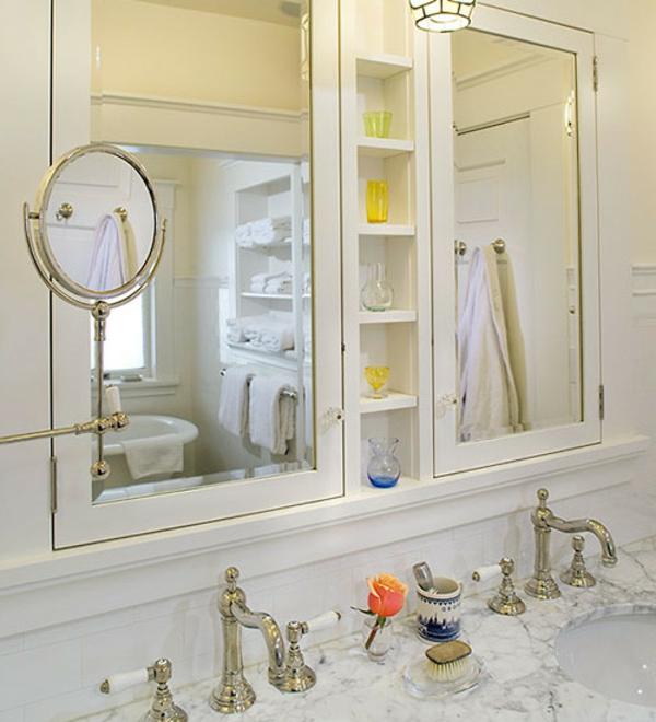 Une armoire de salle de bain avec miroir pour le style de for Miroir pour armoire