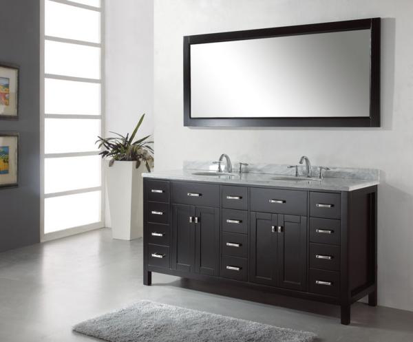 Une armoire de salle de bain avec miroir pour le style de for Miroir salle de bain cadre noir