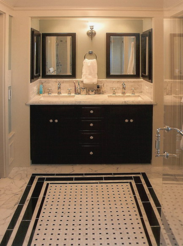 armoire-de-salle-de-bain-avec-miroir-deux-éviers-et-quatre-miroirs