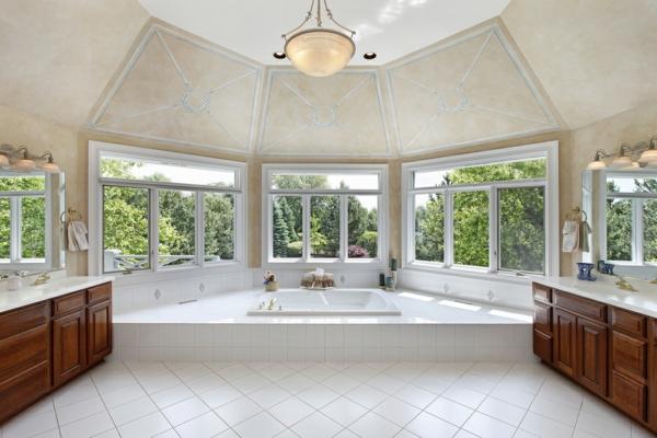 baignoire-encastrable-dans-un-intérieur-luxueux