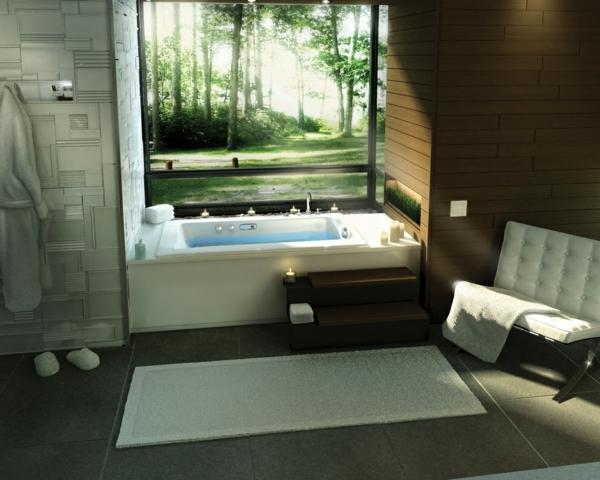 baignoire-encastrable-et-un-papier-peint-décoratif