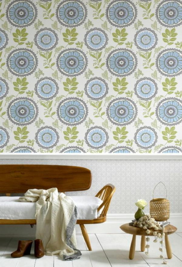 banc-en-bois-apartement-papier-peint-bleu-table