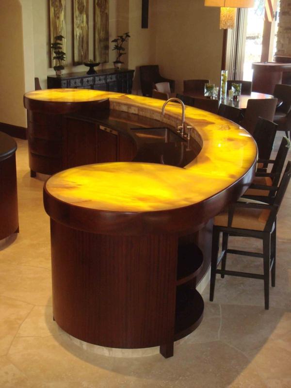 bar-plan-de-travail-design-jaune-incurve